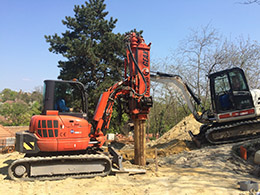 Pile foundations using a GEAX DTC 30 type compact pile drilling machine